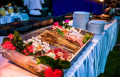 草坪海鲜BBQ自助晚宴(带表演)